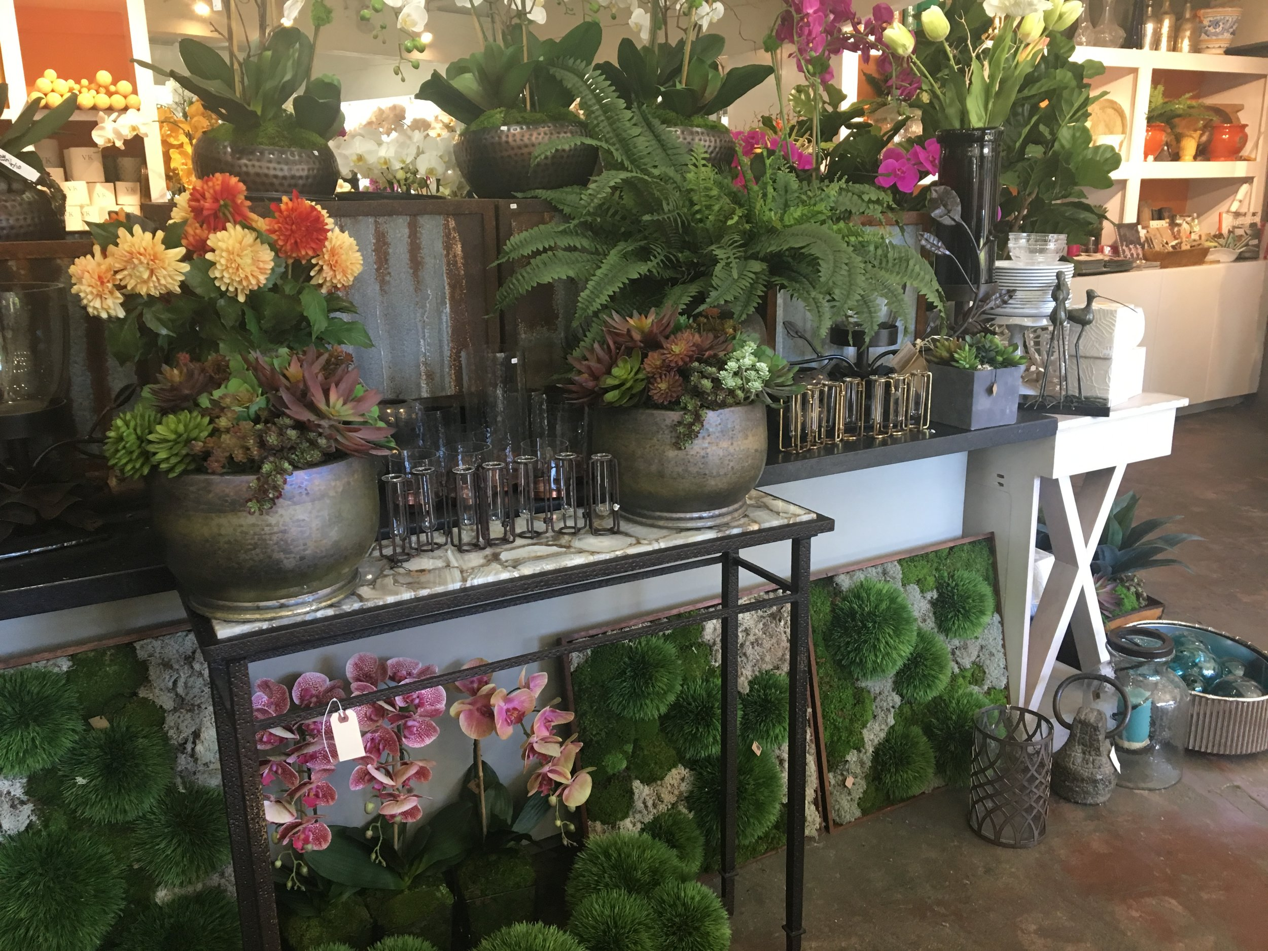 lots of floral arrangments