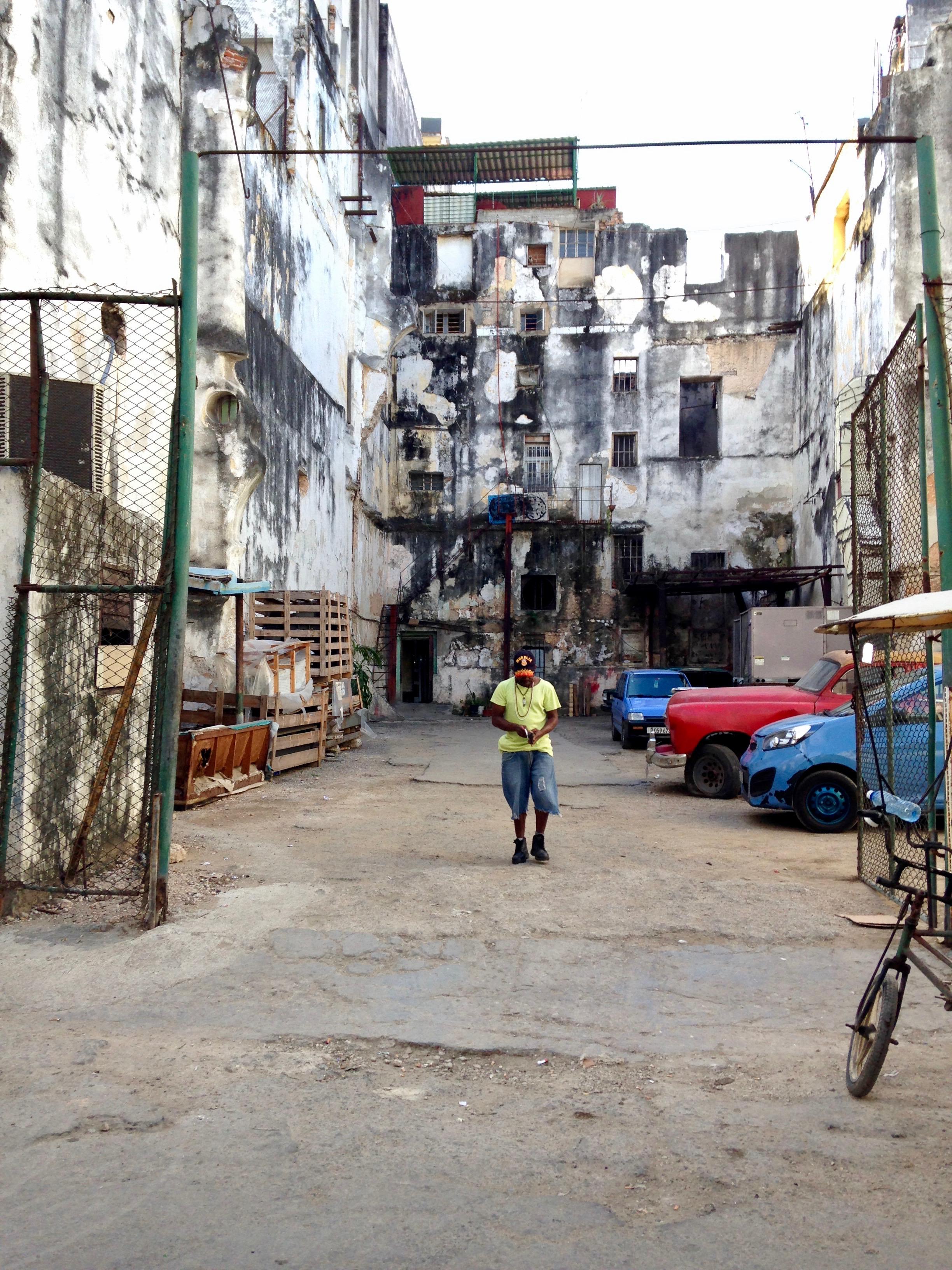 Centro Habana. Photo by J. Austria