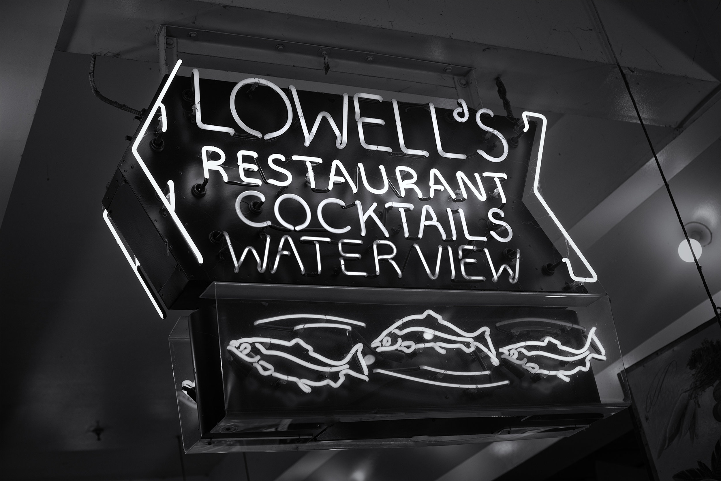 Lowell's restaurant sign.jpg