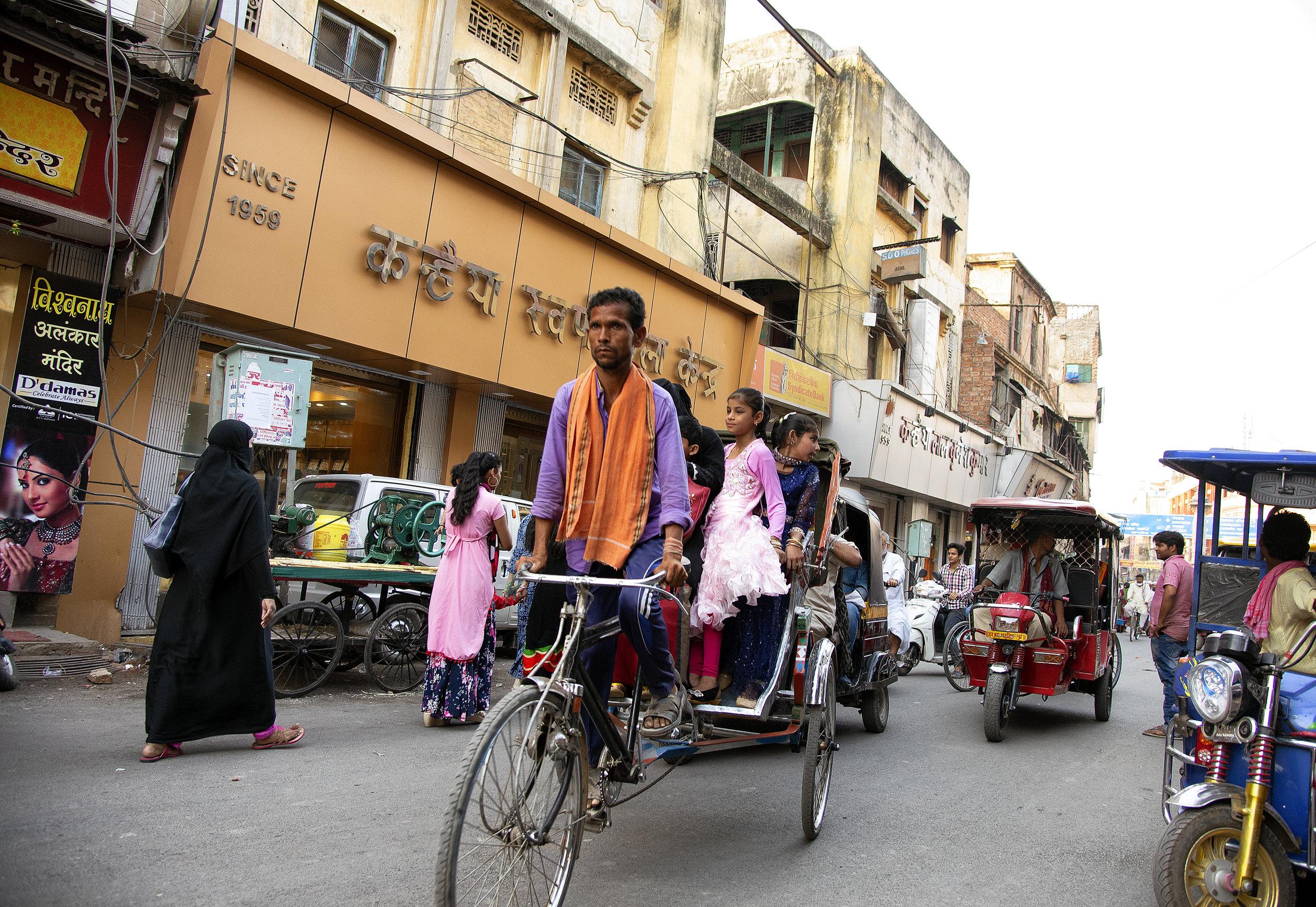 Varanasi India (225).jpg