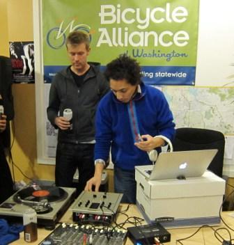 bikelove DJs.jpg