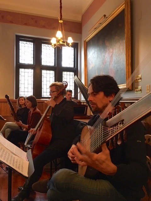 The continuo section