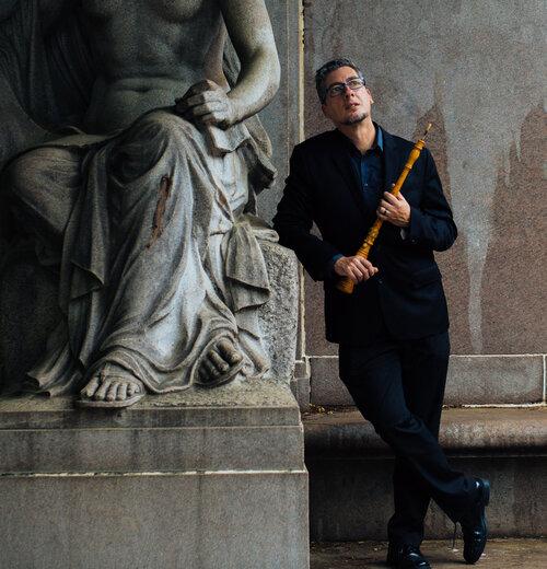 Geoffrey statue_crop.jpg
