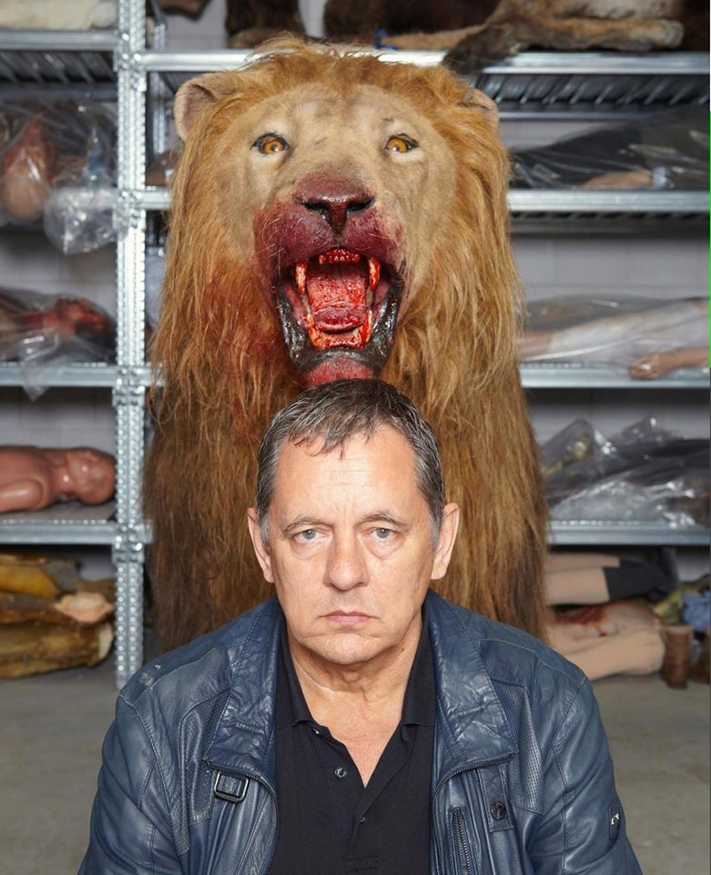 Animatronic Lion with film director Dick Maas for Dutch film, Prey. Made by Rob's Prop Shop
