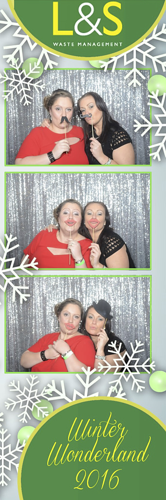 L&S Waste Xmas Photobooth DS192937.jpg