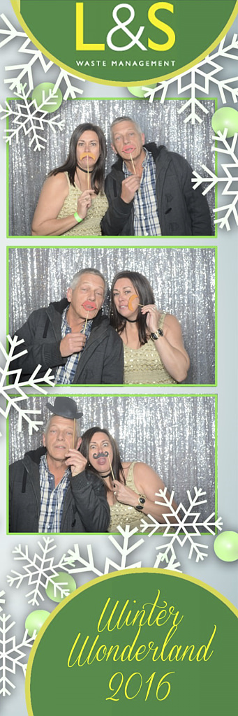 L&S Waste Xmas Photobooth DS193136.jpg