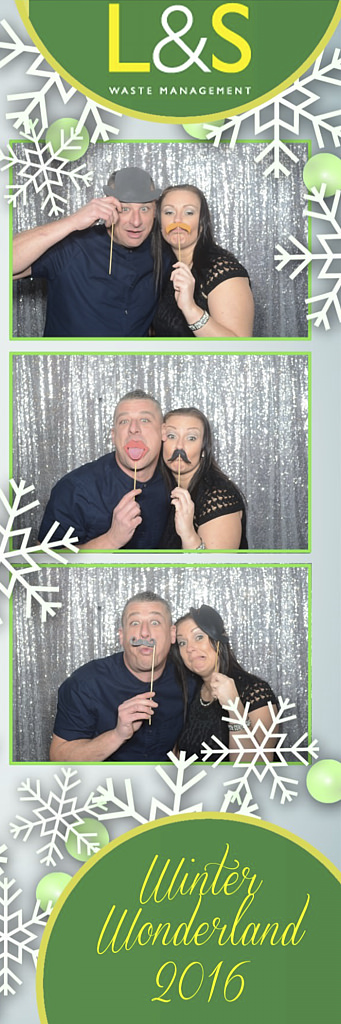L&S Waste Xmas Photobooth DS193256.jpg