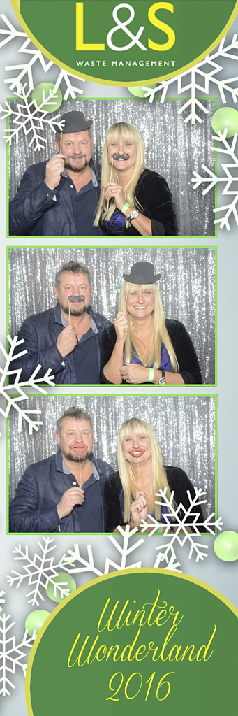 L&S Waste Xmas Photobooth DS194610.jpg