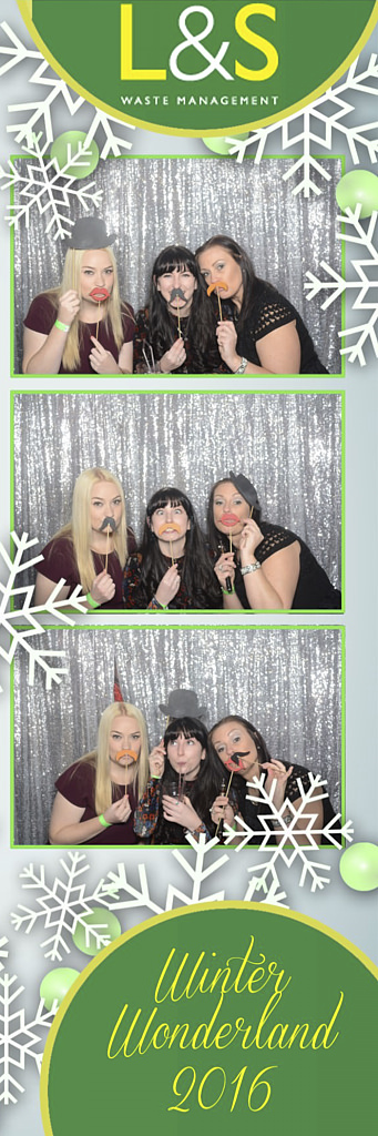 L&S Waste Xmas Photobooth DS195411.jpg