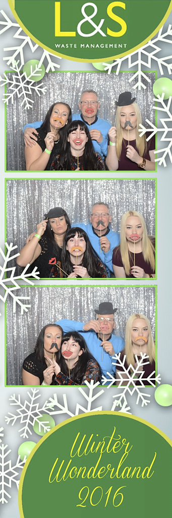 L&S Waste Xmas Photobooth DS195655.jpg
