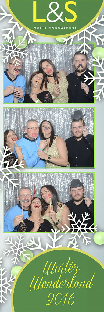 L&S Waste Xmas Photobooth DS201227.jpg