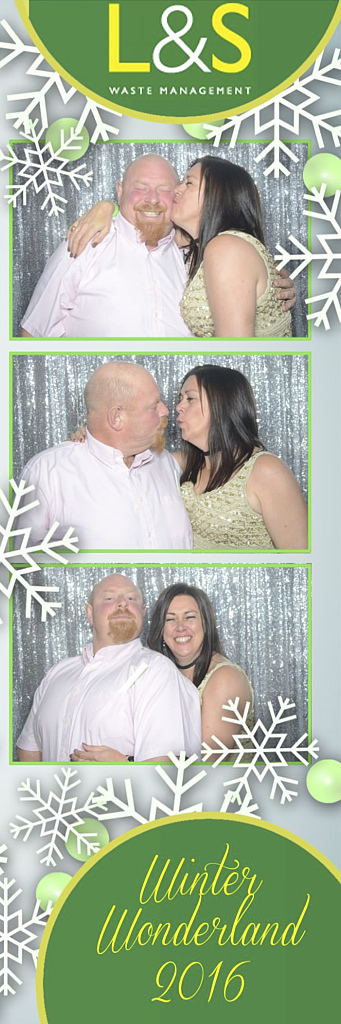 L&S Waste Xmas Photobooth DS204409.jpg