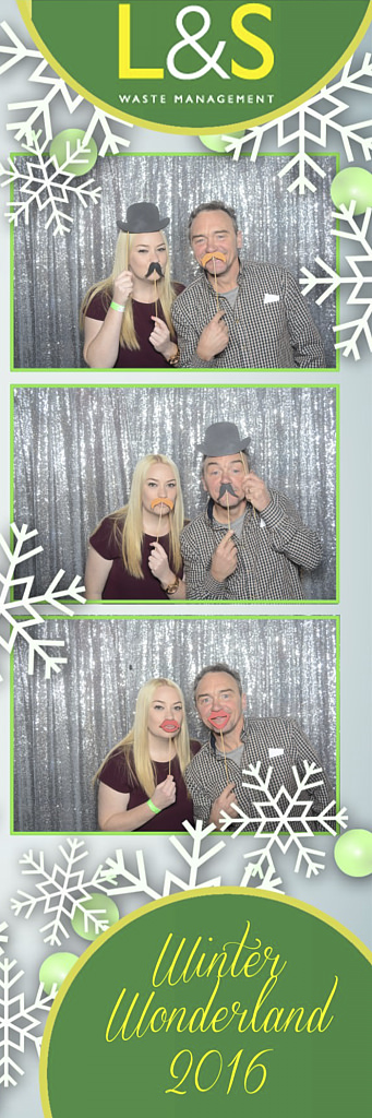 L&S Waste Xmas Photobooth DS205934.jpg