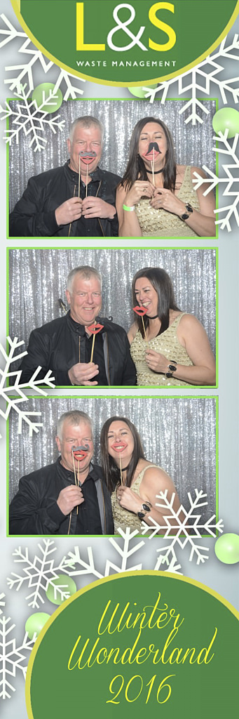 L&S Waste Xmas Photobooth DS210129.jpg