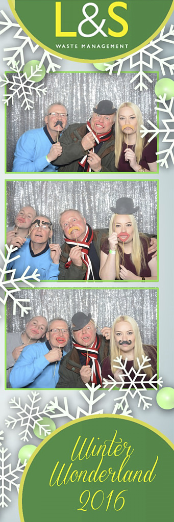 L&S Waste Xmas Photobooth DS211726.jpg