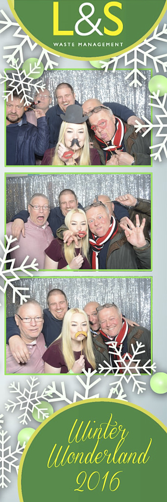 L&S Waste Xmas Photobooth DS222059.jpg