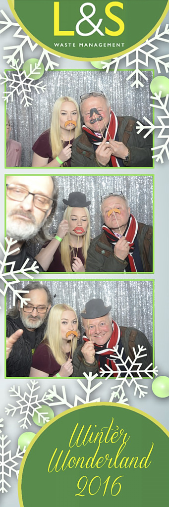 L&S Waste Xmas Photobooth DS222231.jpg