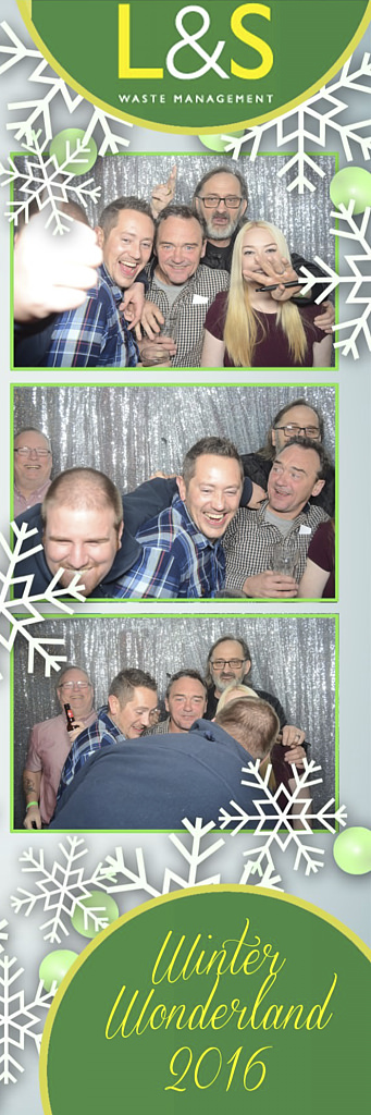 L&S Waste Xmas Photobooth DS222401.jpg