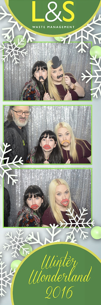 L&S Waste Xmas Photobooth DS223928.jpg