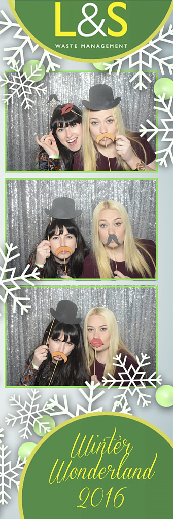 L&S Waste Xmas Photobooth DS224029.jpg