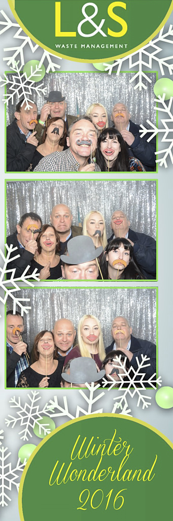 L&S Waste Xmas Photobooth DS224606.jpg
