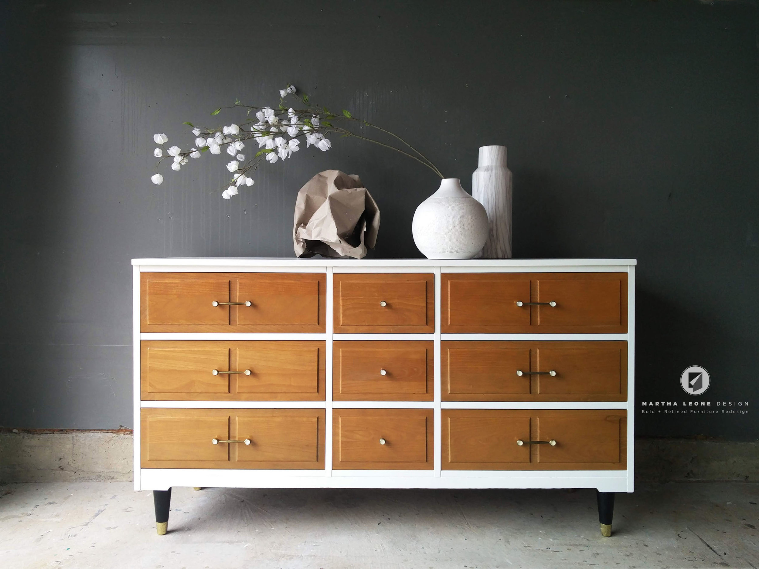 #554  BM White Dove  Existing drawers with danish oil (wasn't refinshed)  Existing hardware  Ebony legs