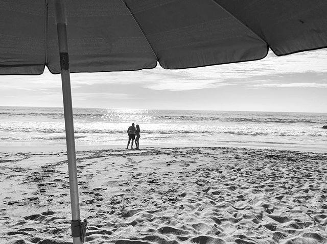 There's nothing like enjoying a sunny day in a beautiful isolated beach 🏖 • #norush #noproblem #sunnyday #beach #beachday #tours #hiddenbeach #umbrela #rivieranayarit #happiness #relax #love #mexico #sayulita #great #vacation #tour #around