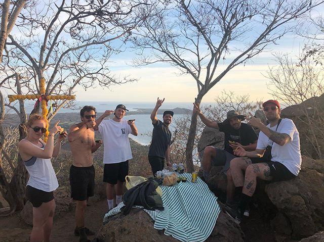 Monkey Mountain ⛰  giving the #dhpv guys training!!! 🏃♂️🏃♂️🏃♂️🏃♂️🏃♀️🏃♂️ #training #havefun #sunset #amaizing #views #norush #tours #experience #sayulita #rievieranayarit #bahiadebanderas #intothewild  @jessieortegramtb @antonivilloni @olivercuvet @roblesraph @tomaslemoine