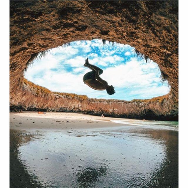 Let's go to Marietas! Let's have fun, explore, snorkel, birdwatch and more more in the middle of this incredible warm ocean 🔥 Contact us for your best day ✨  Www.norushsayulita.com 🌊🌊🌊🌊🌊🌊🌊🌊🌊🌊🌊 ¡Vamos a Marietas!  Vamos a divertirnos, explorar, bucear, observar aves y mucho más en medio de este increíble océano cálido 🔥 Contáctenos para su mejor día ✨  Www.norushsayulita.com  #boattrip #island #fun #snorquel #ocean #openwater #swim #beach #birdwatching #explore #amazing #paradise #mexico #warm #sea #sunnydays #vacay #tour #norush #sayulita #puntamita  Many thanks to this crazy boys to join us!!!!! @antonivilloni @roblesraph @jessieortegamtb @tomaslemoine @olivercuvet