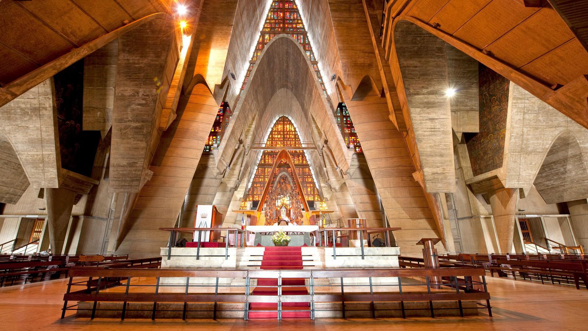 Basilica-de-Higuey-1920x1080.jpg