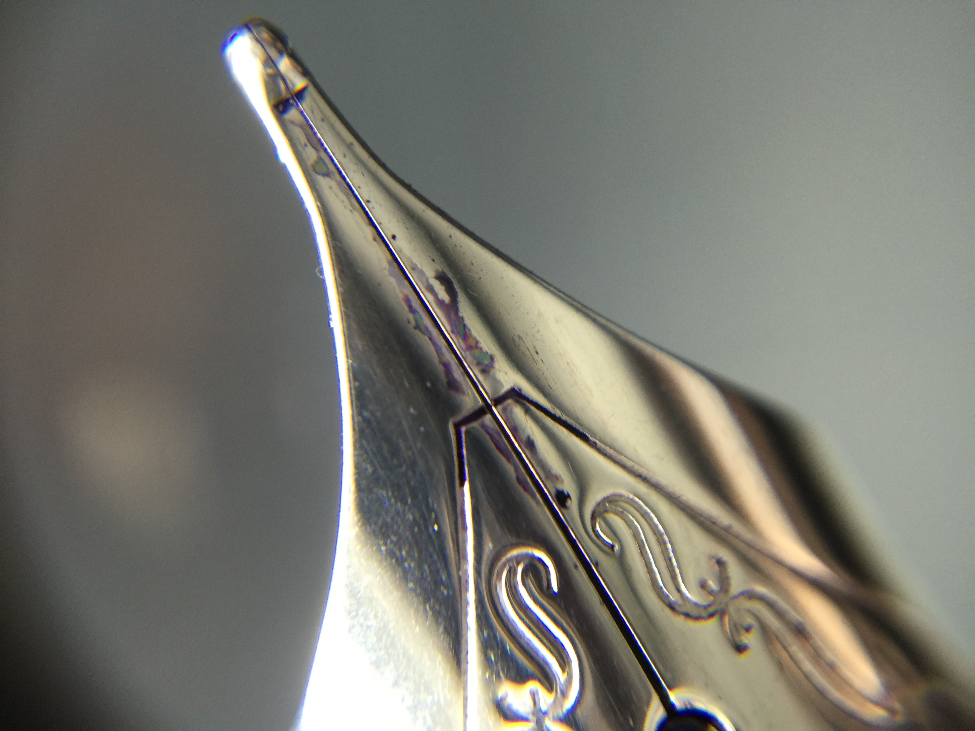 Top side of the nib
