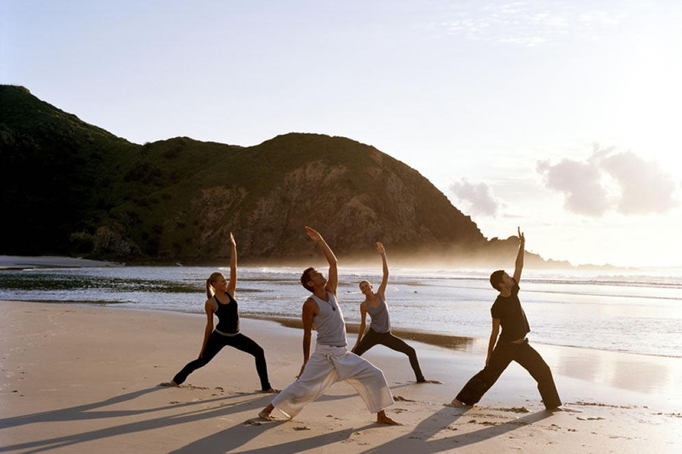 2byron-bay-health-yoga-on-the-beach.jpg
