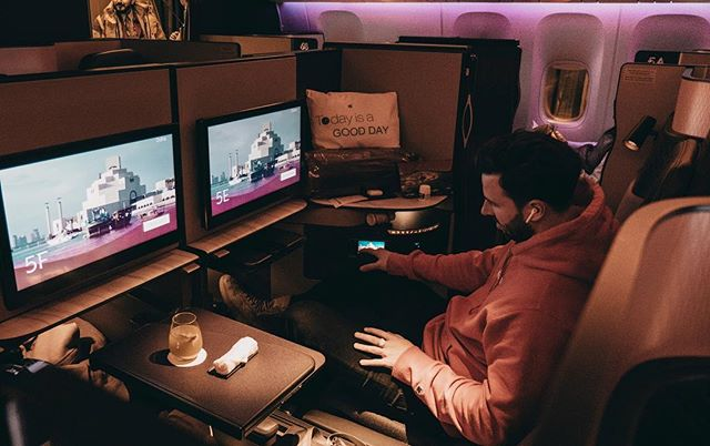 The office in the sky. The only thing better then heading to Australia to see all my family and friends is doing a 28 hour journey in this space. Super grateful. 🚀🤯 @luisalion