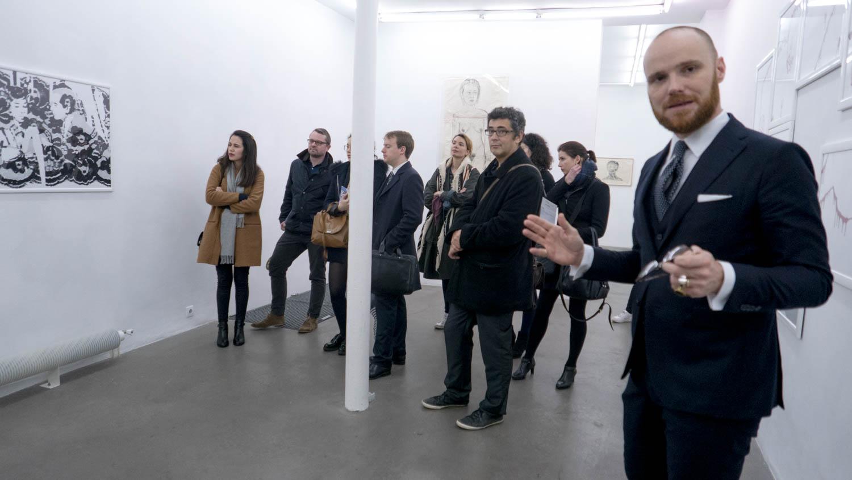 Visite commentée par le galeriste Mathias Coullaud © Ghizlene Lachachi.jpg