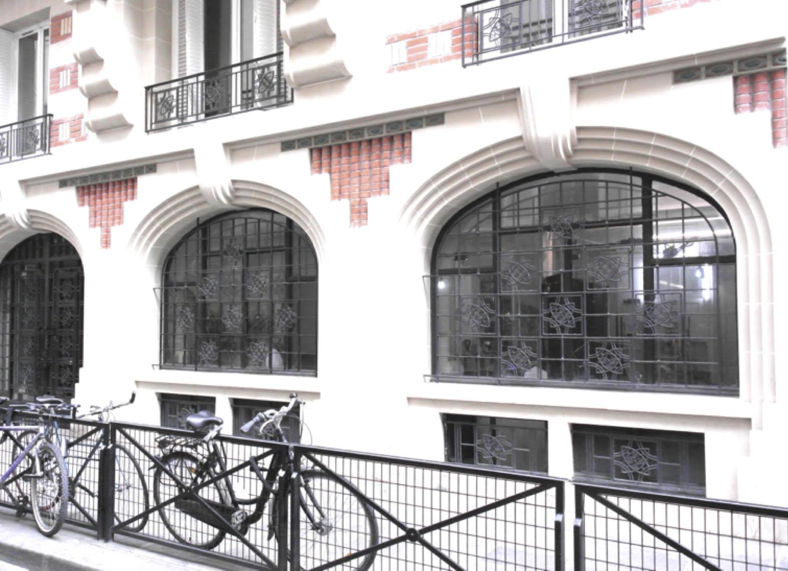 Mi Galerie - La galerie mi* propose une curation transversale, explorant les territoires de la création digitale New Media autant que la photo, l'installation, la sculpture, et la peinture. La Galerie mi* est à la recherche d'un nouveau modèle de lieu d'art et de culture. L'ensemble des directions de mi* se réunissent dans un lieu, le mi* Ground : www.miground.paris23 rue Chapon, 75003 Pariswww.miground.paris,