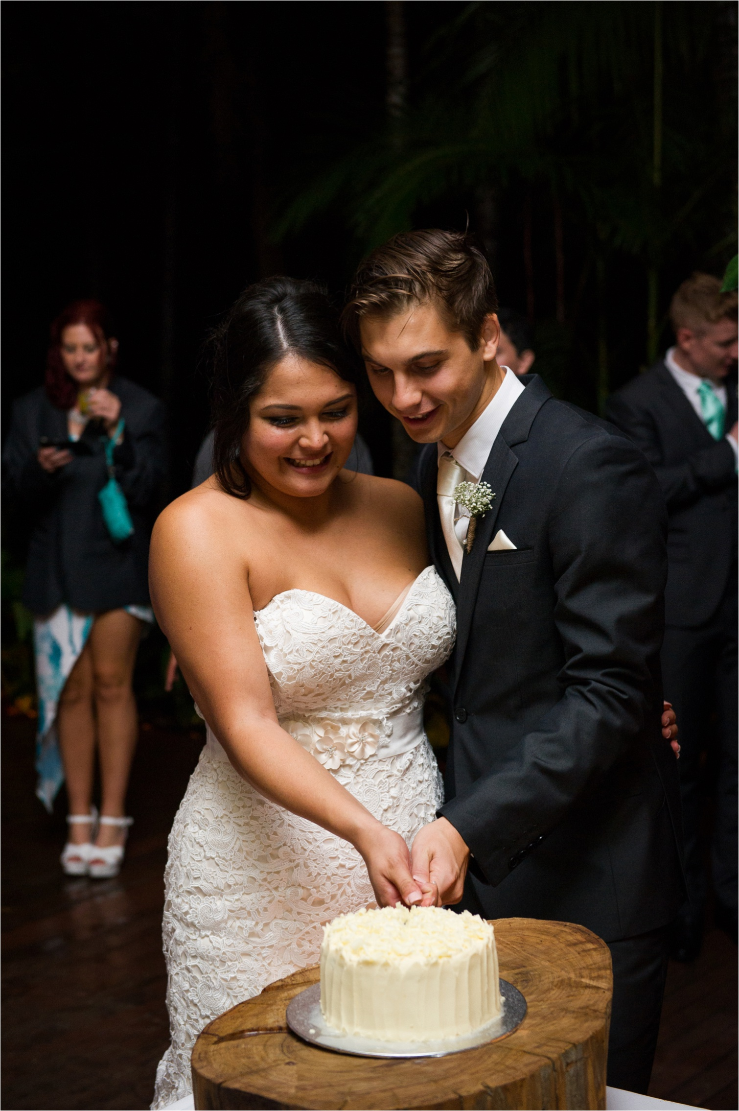 Catherine&Trent_Cedar_Creek_lodges_wedding-by_The_Follans_Gold_Coast_Wedding_Photographers_0053.jpg