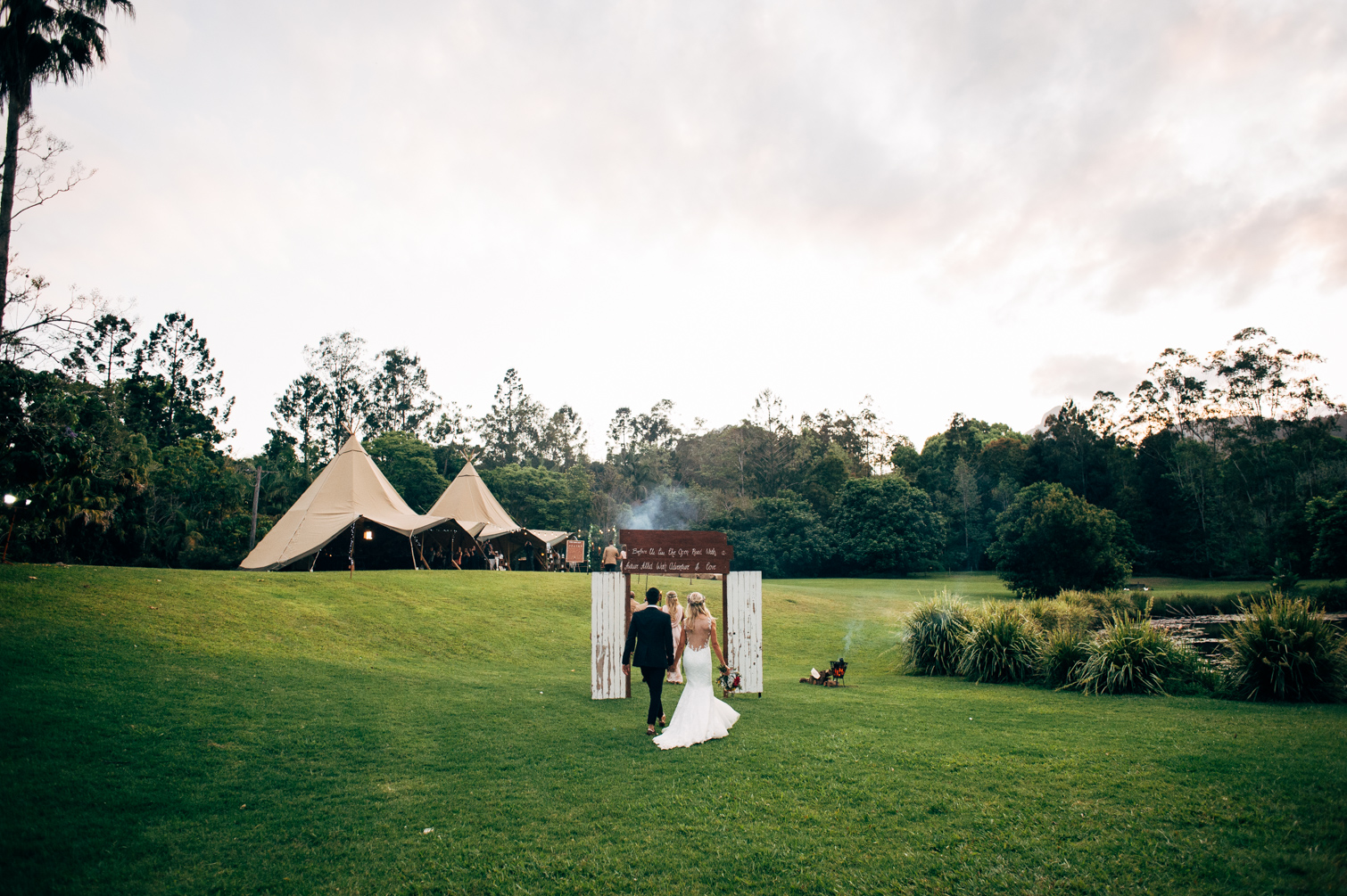 Maviss_kitchen_tipi_wedding venue-58.jpg