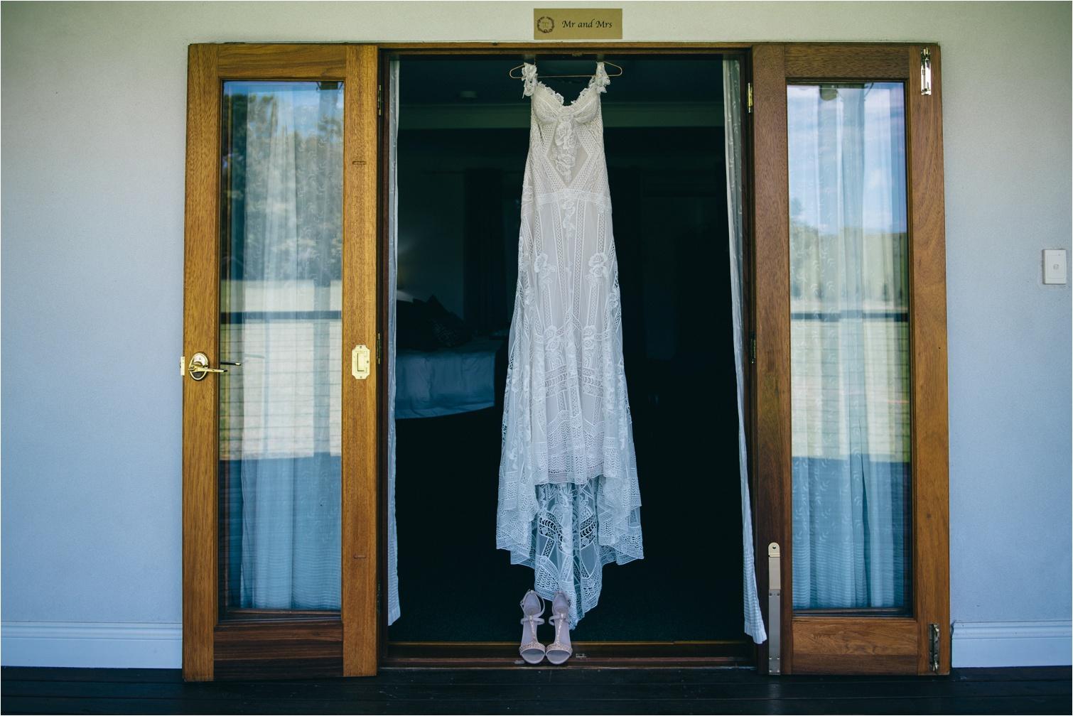 Maleny-Retreat-Wedding_Hayley&Lucas_by-The-Follans_0002.jpg