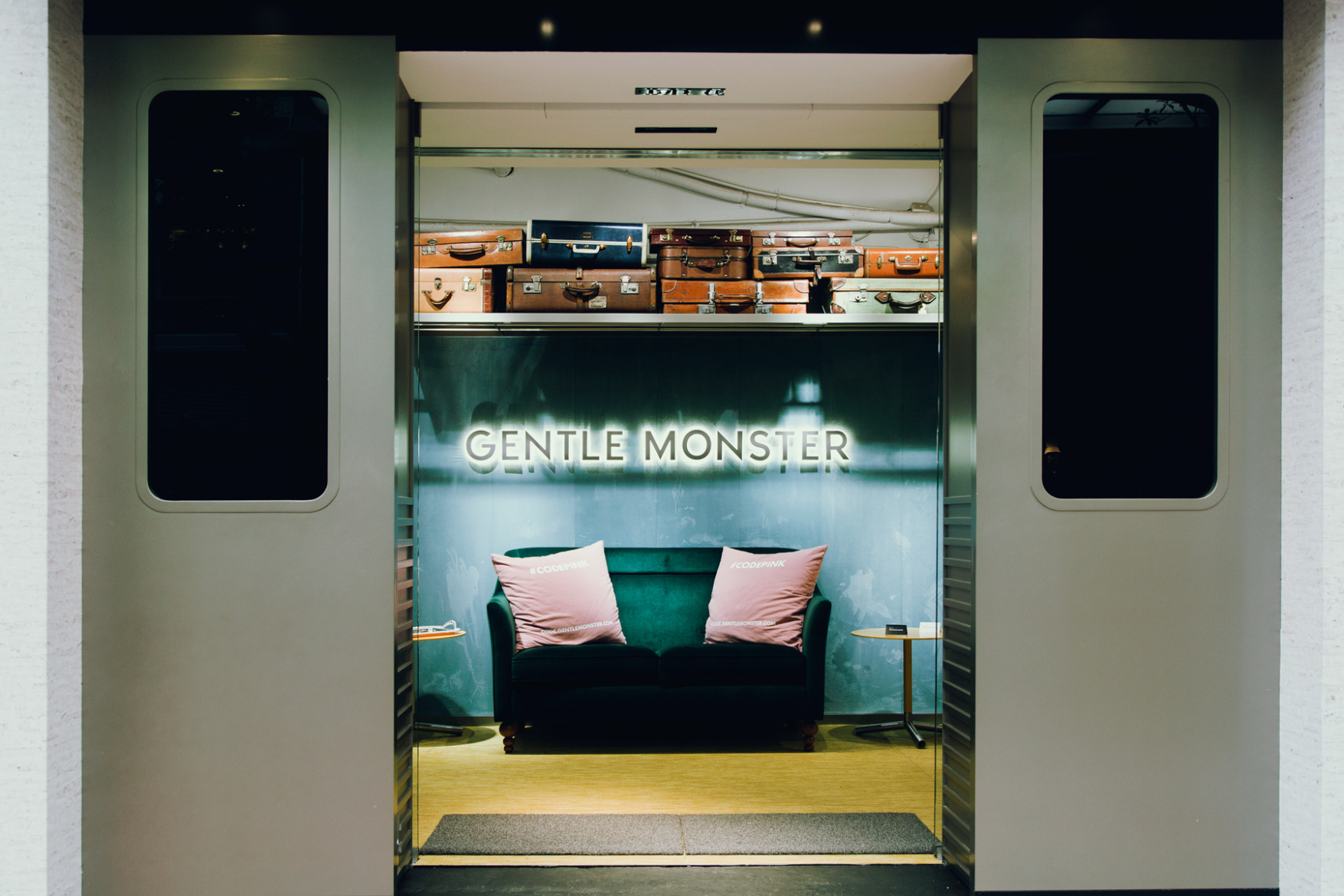 gentle-monster-hong-kong-flagship-store-the-platform-00.jpg