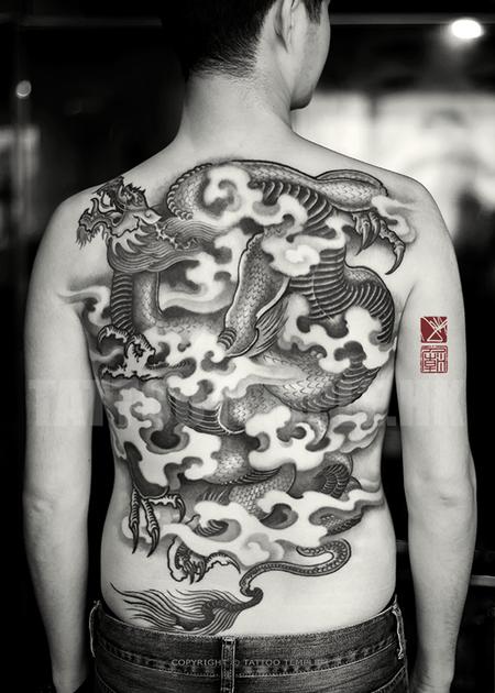 A-Changing-Of-Perspectives---Full-Back-Black-And-Gray-Asian-Dragon-Tattoo-Art---Joey-Pang---Tattoo-Temple-Hong-Kong.png