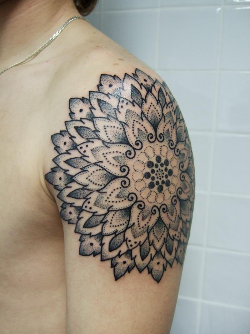 50bb18212382bjondix-191112-sqm-tattoo-027.jpg