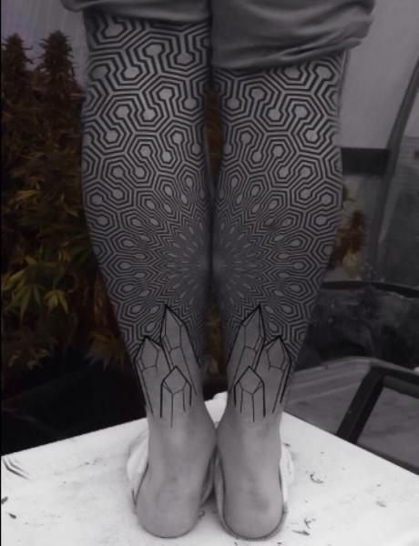 tattoo-calf-geometric-dotwork-nwikft.jpg
