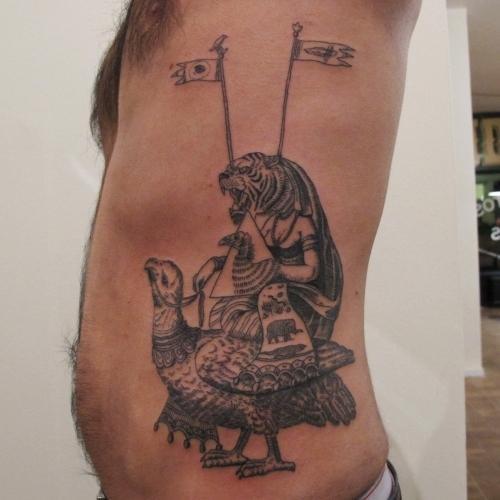 50ae831e8e07fkim_papanatos-191112-sqm-tattoo-010.jpg