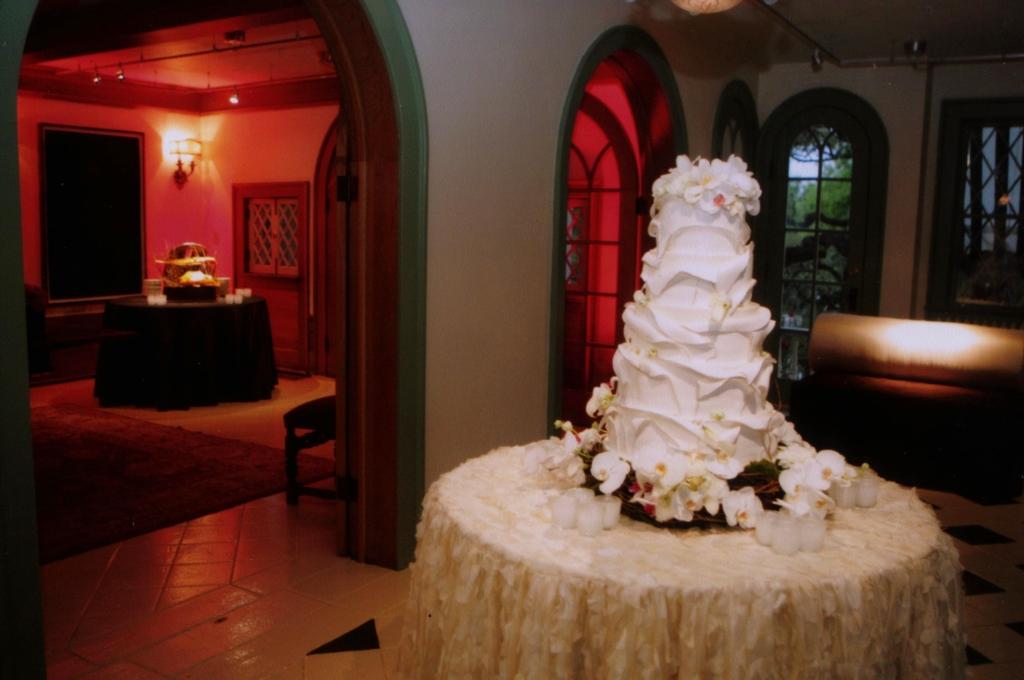 cake lighting 2.jpg