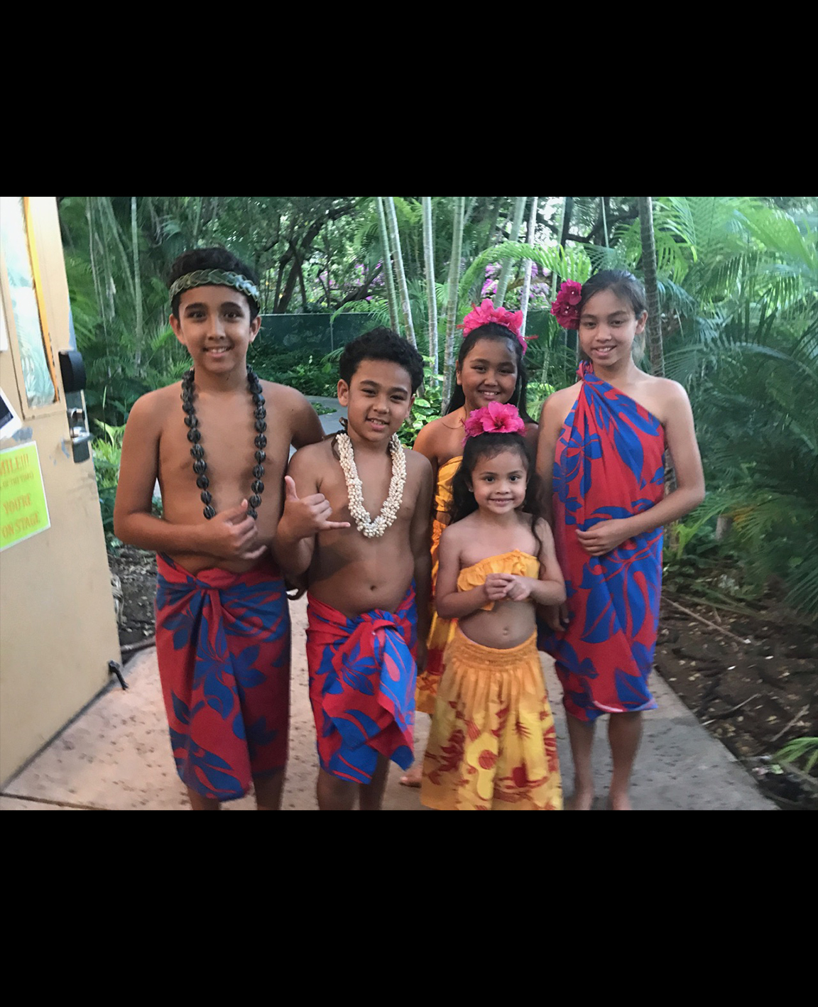 April 24, 2017 Aren't they adorable?! Some of our Keiki cast smiling at Hale Koa's special Military Keiki Luau event.
