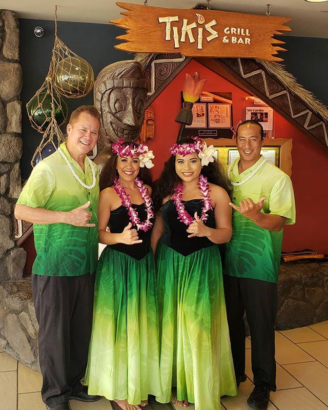 Every Tuesday & Thursday Nights @tikisgrill 🗿 We've got live music & hula! Come on down for a maka`i time! • • • • #maluproductions #tikisgrillandbarwaikiki #hothulanights #hula #hawaiianmusic #wahine #hawaii #waikiki #greatime