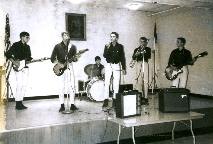 49 - The Lost Chords - Ray, Tom, Marc, Lloyd, Ernie & Ray .jpg