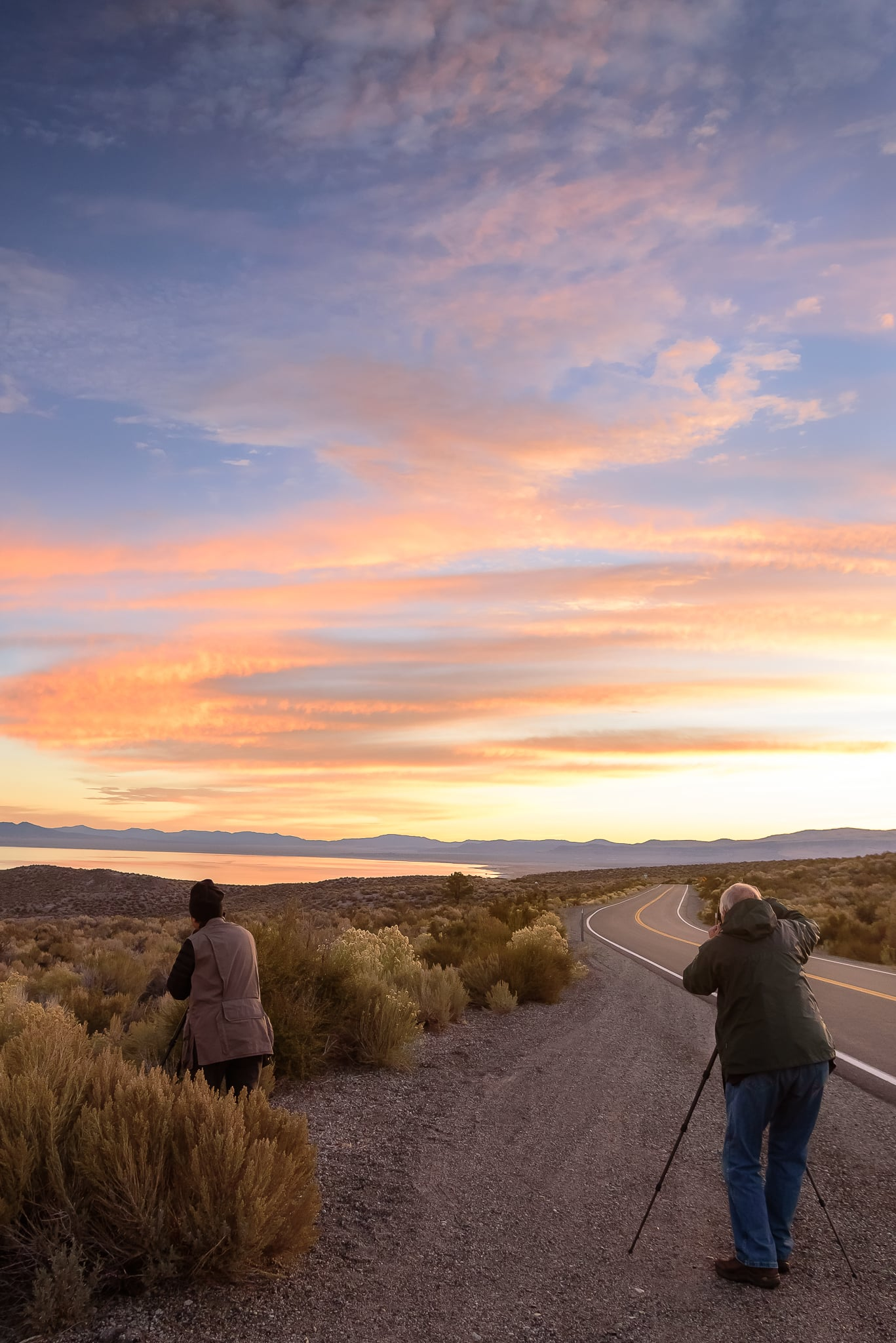 mono_lake_road_sunrise.jpg