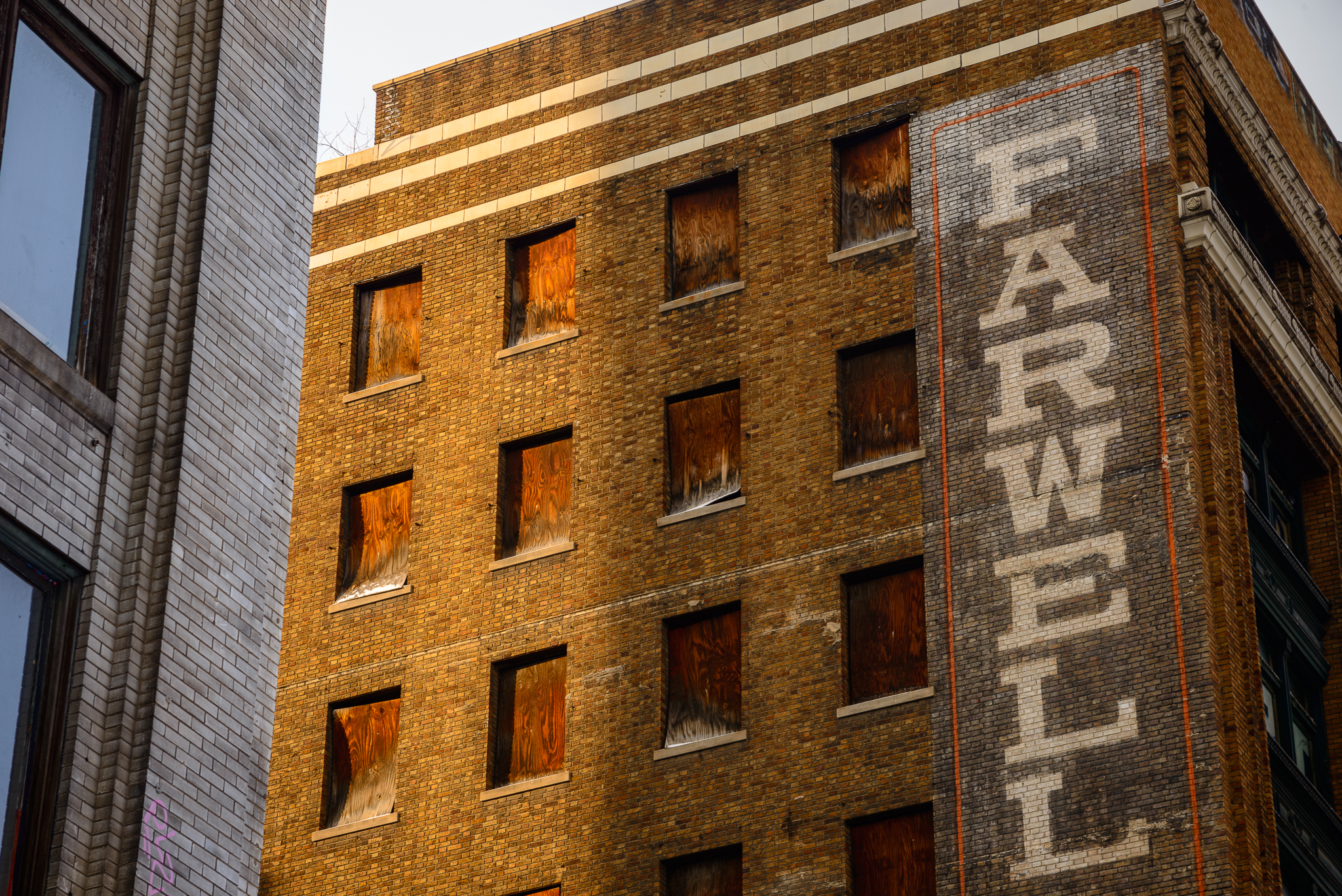 detroit_farwell_building_sunlight.jpg