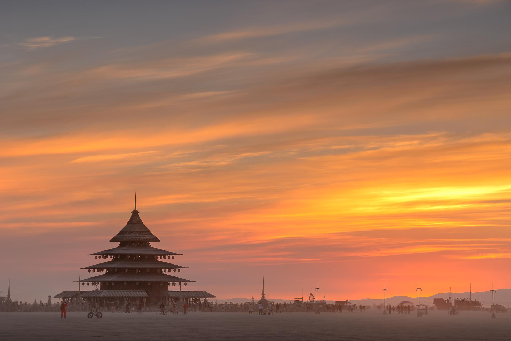 burning_man_2016_temple_friday_sunrise